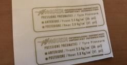 """8000C0068 TARGHETTA ADESIVA """"PRESS. PNEUMATICI"""""""